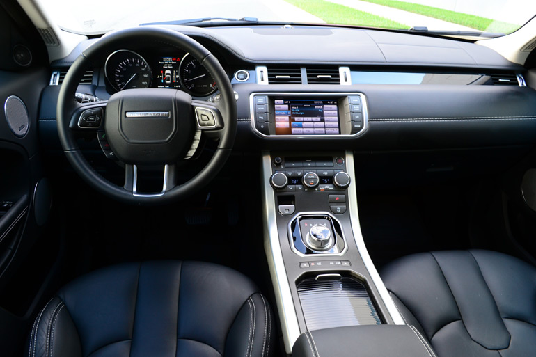 2013-land-rover-range-rover-evoque-dashboard