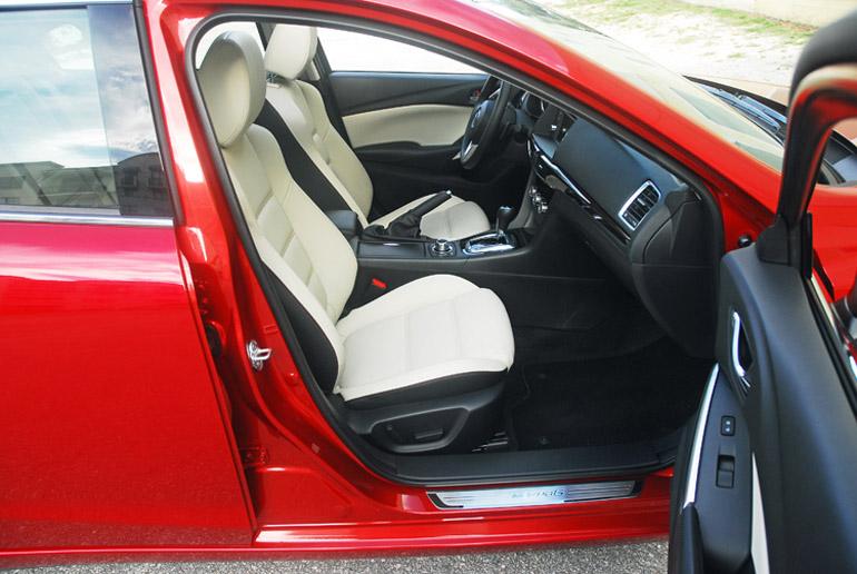 2014 Mazda 6i Sedan Front Seats Done Small