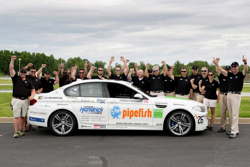 bmw performance driving school sets guinness world drift record in new. Black Bedroom Furniture Sets. Home Design Ideas
