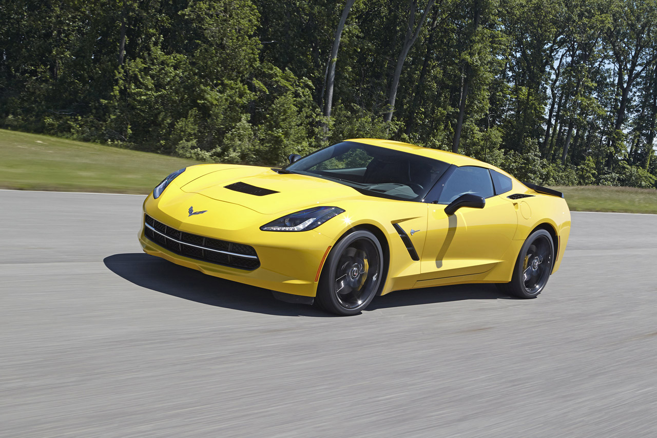 2014 chevrolet corvette stingray z51 does 0 60 mph in 3 8. Black Bedroom Furniture Sets. Home Design Ideas