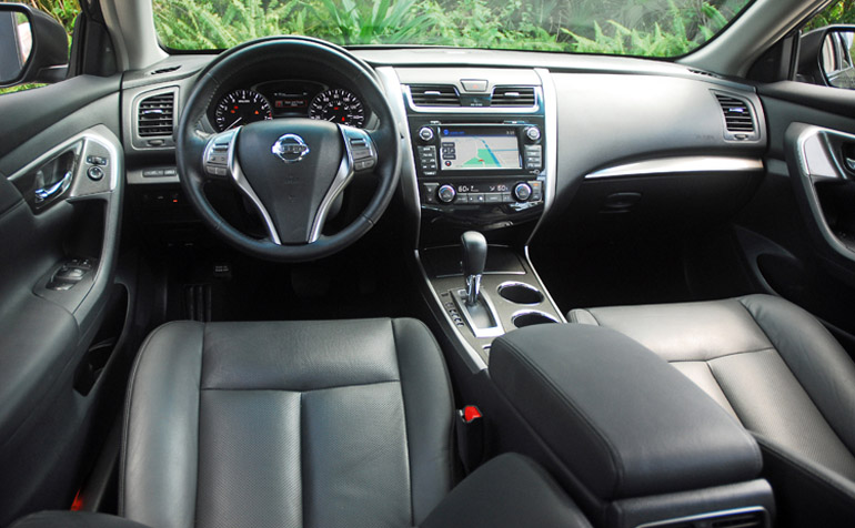 2013 Nissan Altima 25 SL Dashboard Done Small