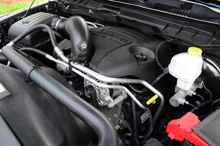 2013-ram-1500-sport-crew-cab-engine