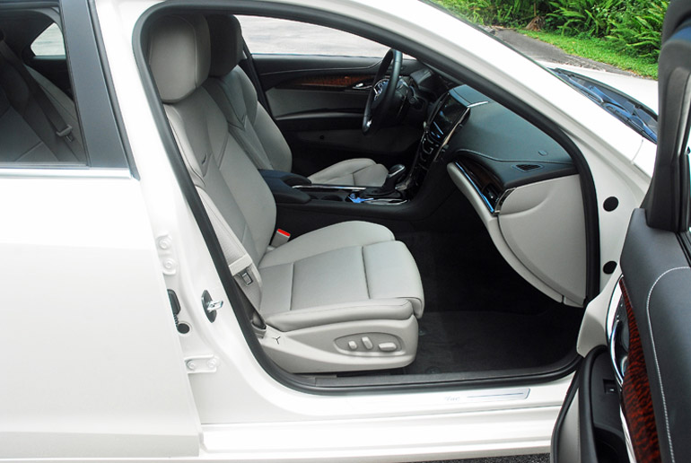 2013 Cadillac ATS Turbo Front Seats Done Small