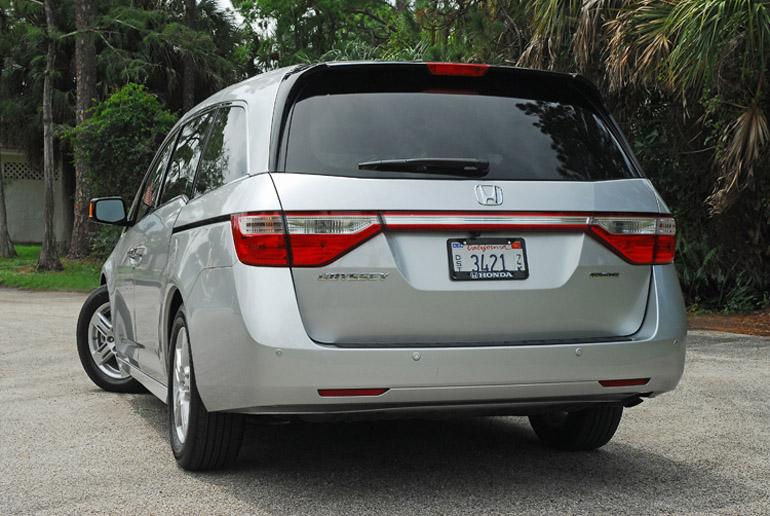 2013 Honda Odyssey MiniVan Beauty Rear Done Small