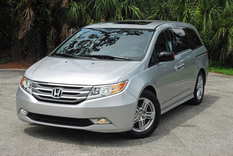 2013 Honda Odyssey MiniVan Beauty Right Done Small