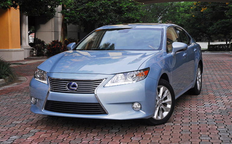 2013 Lexus ES300h Hybrid Beauty Right Done Small
