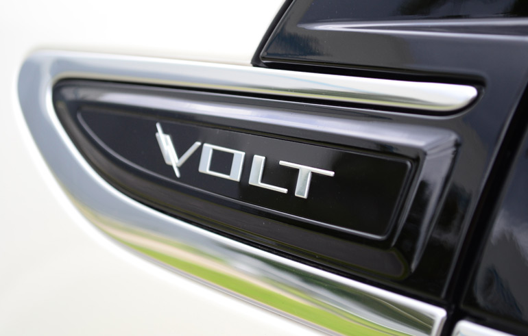 2013-chevrolet-volt-badge