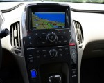 2013-chevrolet-volt-center-dash