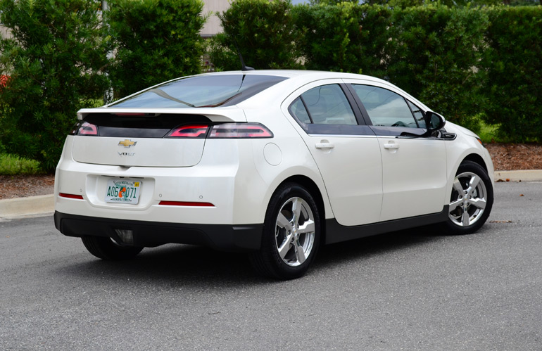 2013 chevrolet volt quick driving impressions. Black Bedroom Furniture Sets. Home Design Ideas