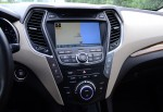 2013-hyundai-santa-fe-limited-center-dash