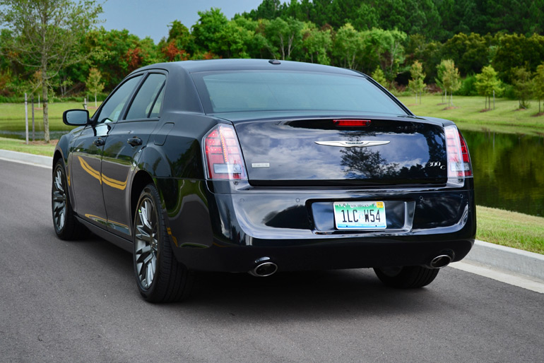 2013-chrysler-300c-john-varvatos-edition-rear