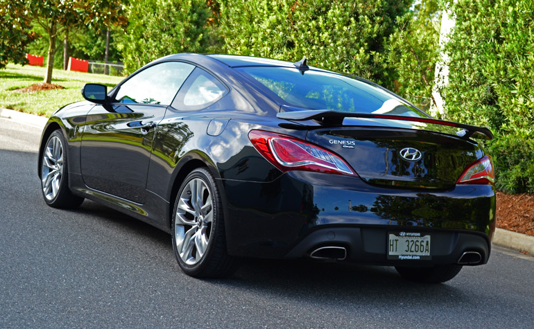 2013-hyundai-genesis-coupe-track-rear-up