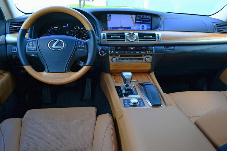 2013-lexus-ls600hl-dashboard