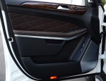 2013-mercedes-benz-gl350-bluetec-door-trim