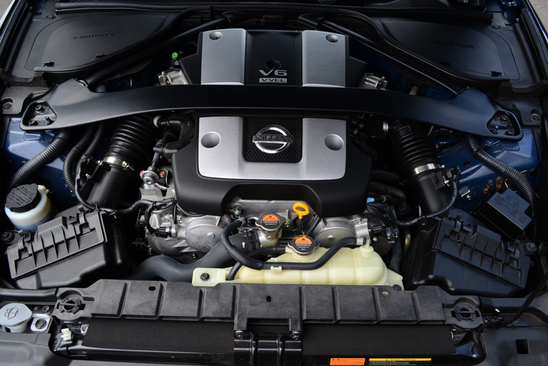 2013-nissan-370z-touring-roadster-engine