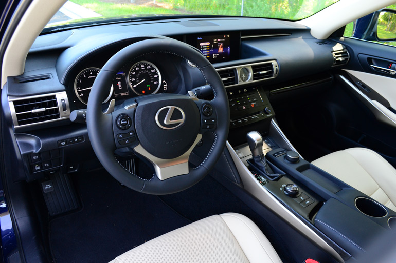 2014-lexus-is-350-dashboard