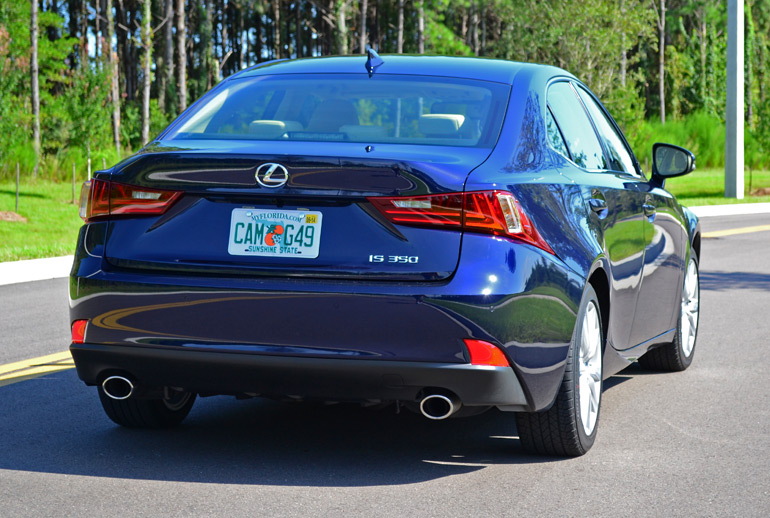2014-lexus-is-350-rear