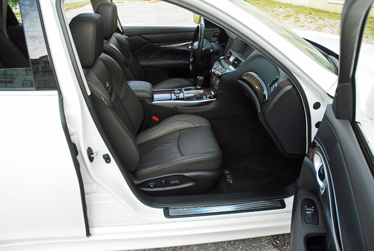 2013 Infiniti M37 Front Seats Done Small