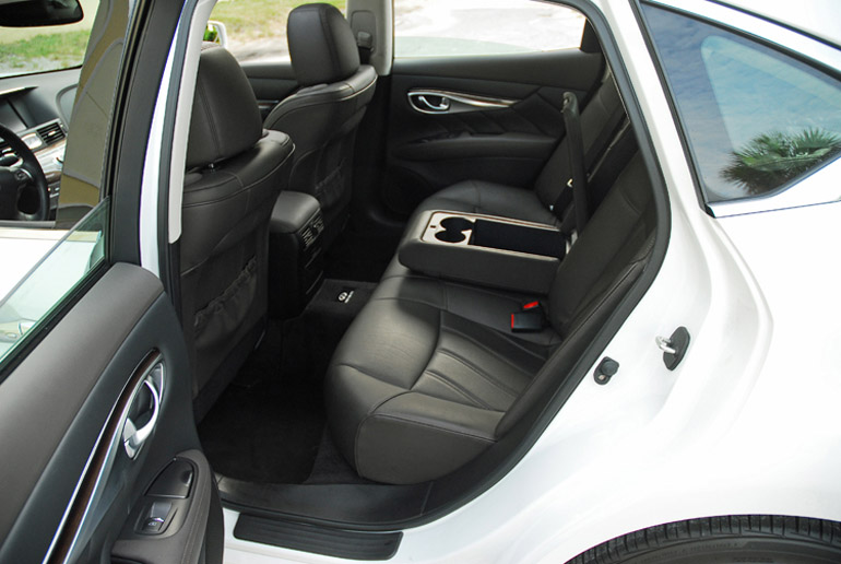 2013 Infiniti M37 Rear Seats Done Small