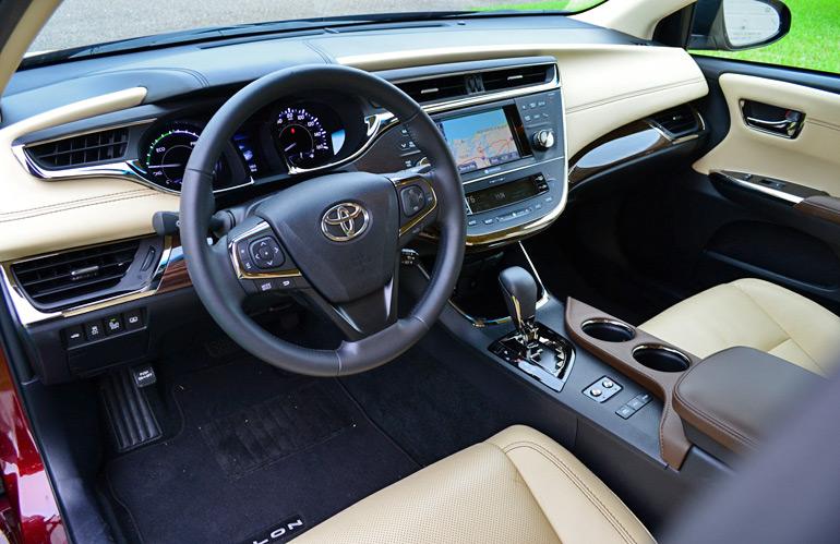 2017 Toyota Avalon Hybrid Dashboard