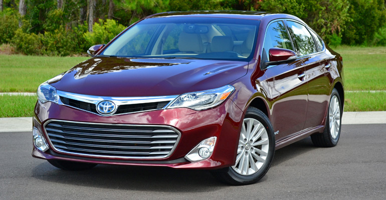 2013-toyota-avalon-hybrid-feature