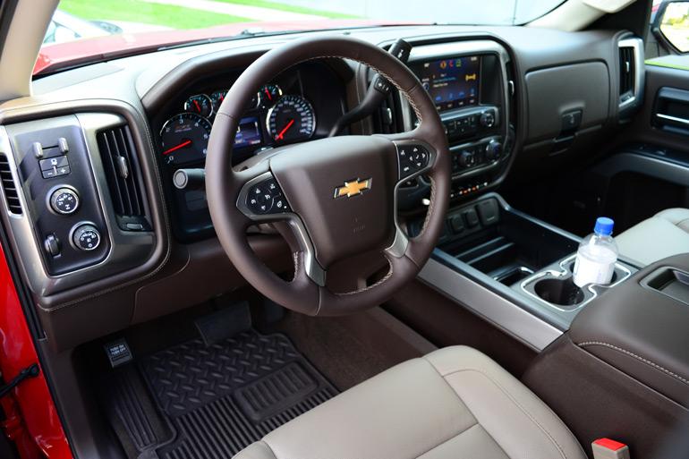 2014-Chevrolet-Silverado-1500-Crew-Cab-4x4-Z71-dashboard