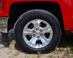 2014-Chevrolet-Silverado-1500-Crew-Cab-4x4-Z71-wheel-tire
