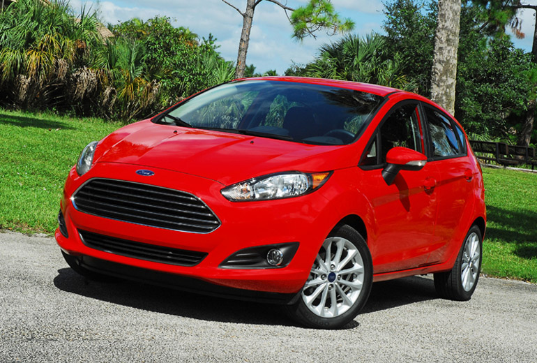 2014 Ford Fiesta SE Beauty Right Up Done Small