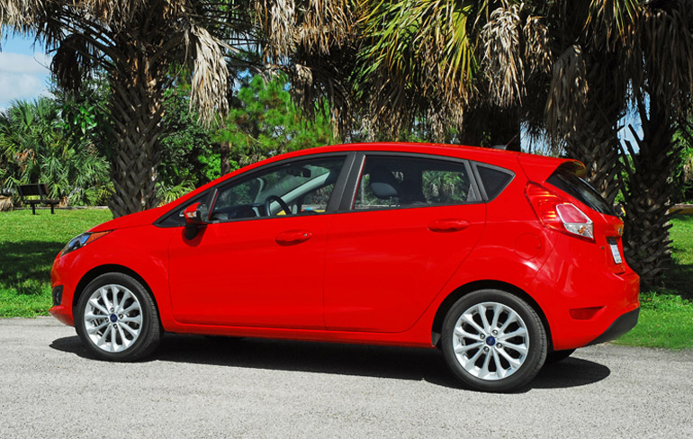 2014 Ford Fiesta SE Beauty Side Done Small