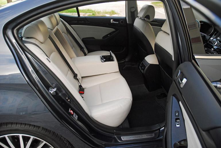 2014 Kia Cadenza Back Seats Done Small