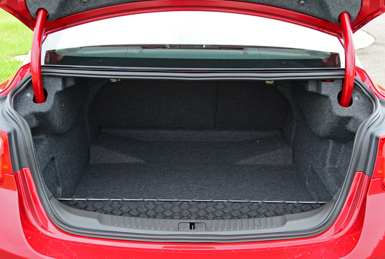 2014 Chevy Malibu Ltz Turbo Trunk
