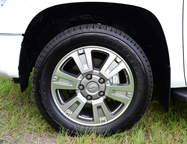 2014-toyota-tundra-crewmax-4x2-platinum-wheel-tire