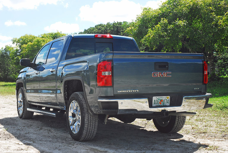 2014 GMC Sierra SLT 4X4 Z71 Beauty Rear Done Small