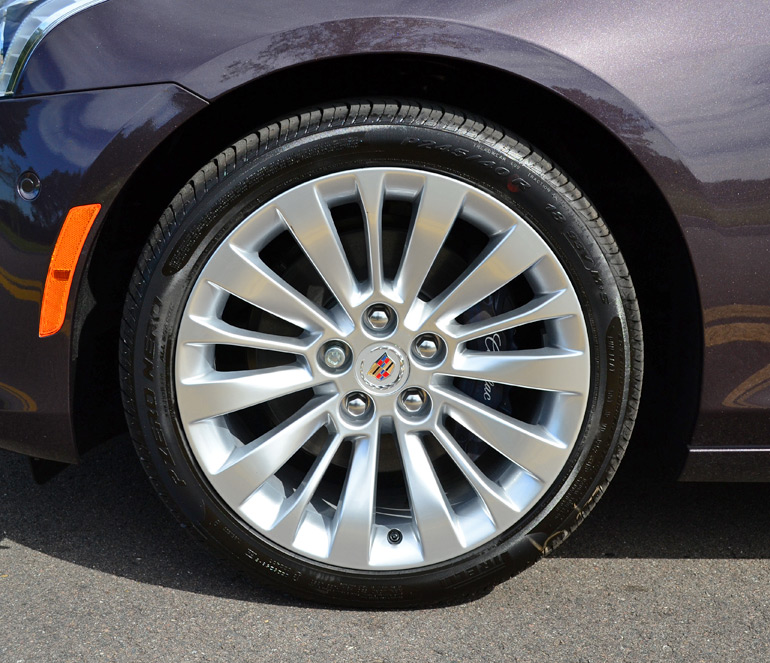 2014-cadillac-cts-36-performance-collection-wheel-tire