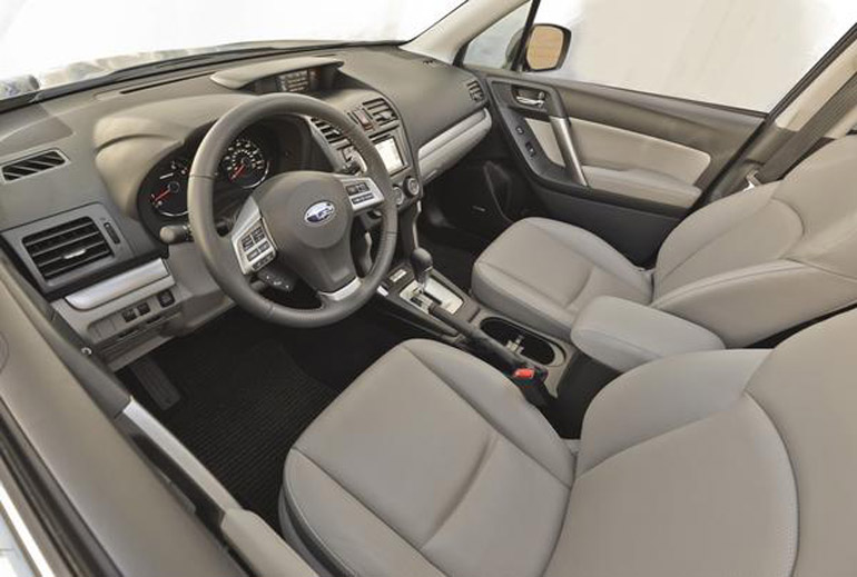 2014-subaru-forester-25i-front-seats