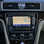 2014-volkswagen-passat-v6-sel-premium-center-dash