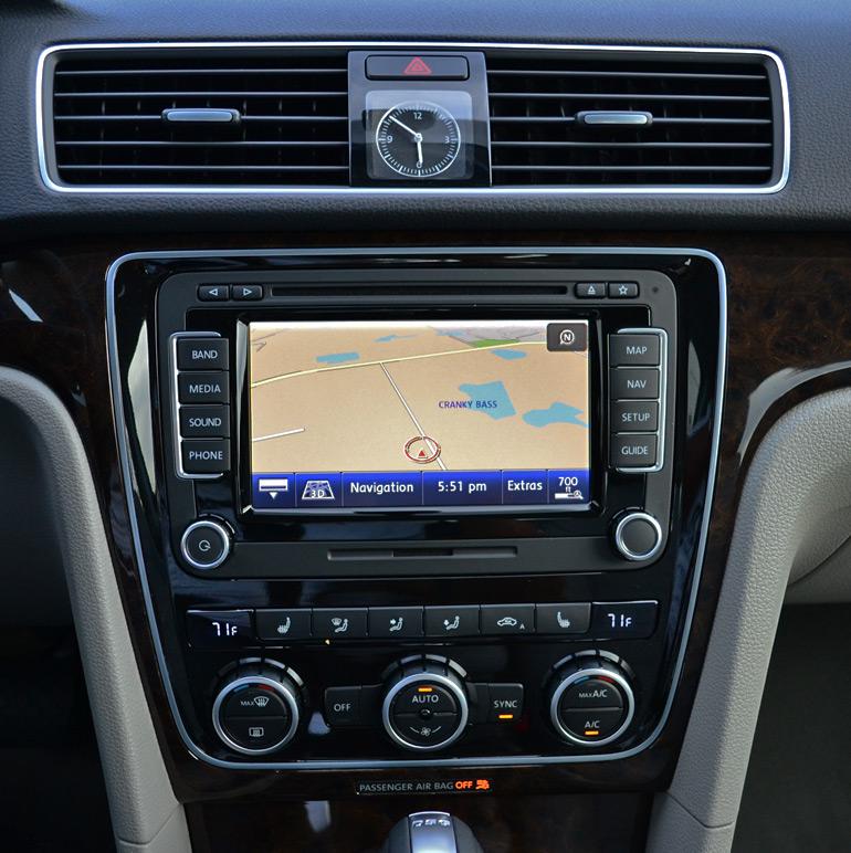 2014 Volkswagen Passat V6 Sel Premium Center Dash