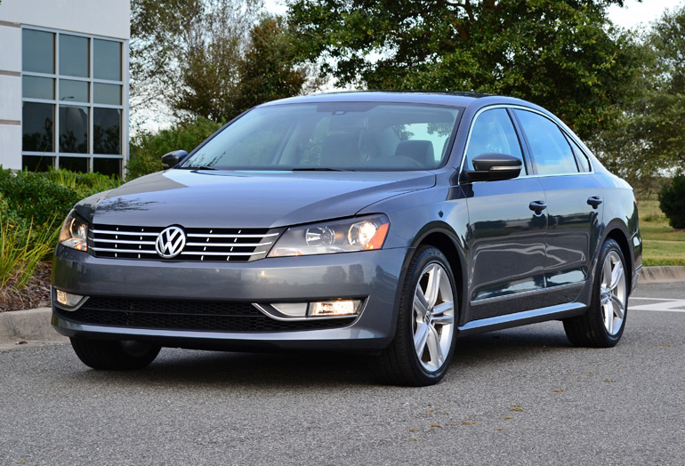 2014 volkswagen passat v6 sel premium front angle. Black Bedroom Furniture Sets. Home Design Ideas