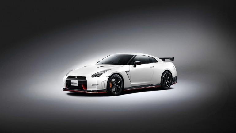 Godzilla Goes Ballistic: 2015 Nissan GT-R Nismo – Previewed