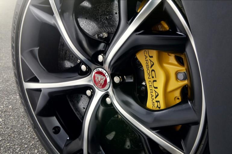 Jaguar-F-Type-Coupe-31