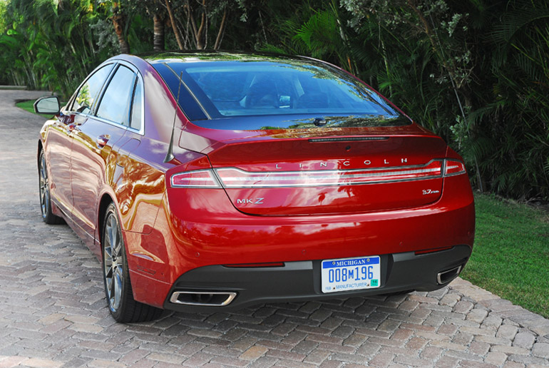 2013 Lincoln MKZ AWD Beauty Rear Done Small