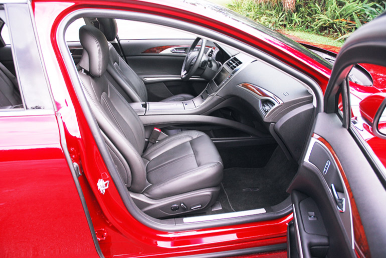 2013 Lincoln MKZ AWD Front Seats Done Small
