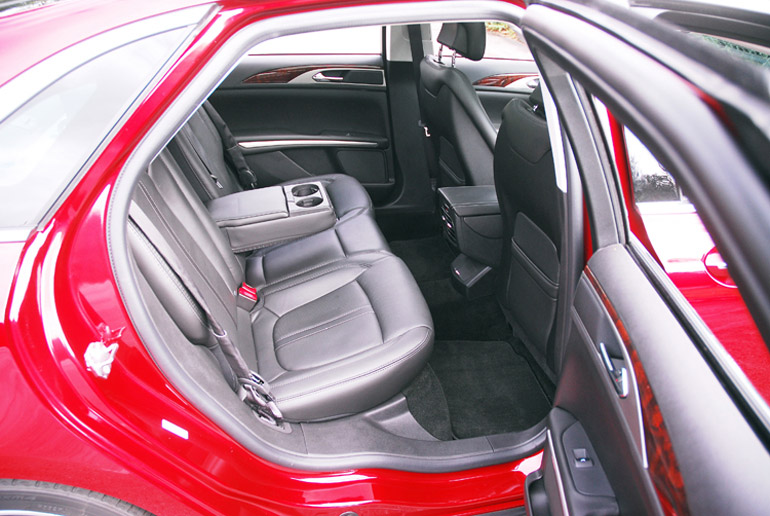 2013 Lincoln MKZ AWD Rear Seats Done Small