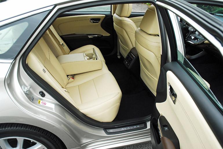 2013 Toyota Avalon Ltd Back Seats Done Small