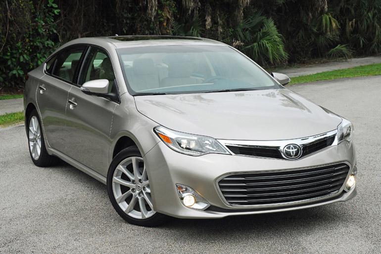 2013 Toyota Avalon Ltd Beauty Left HA Done Small