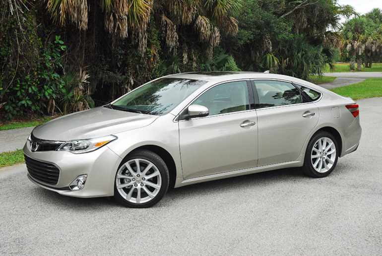 2013 Toyota Avalon Ltd Beauty Right Wide Done Small