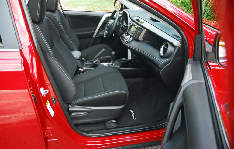 2013 Toyota RAV 4 XLE AWD Front Seats Done Small