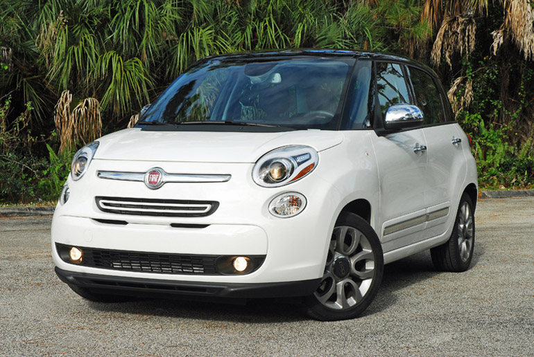 2014 fiat 500l lounge 5 door quick spin. Black Bedroom Furniture Sets. Home Design Ideas