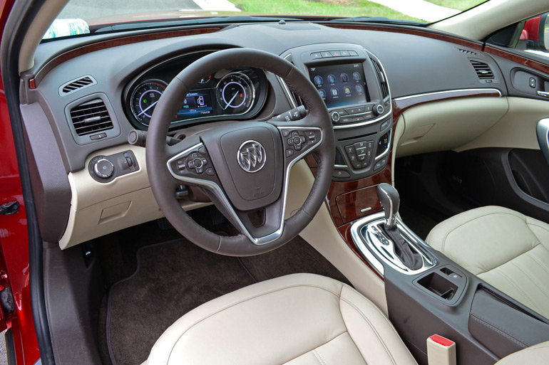 2014-buick-regal-turbo-dashboard