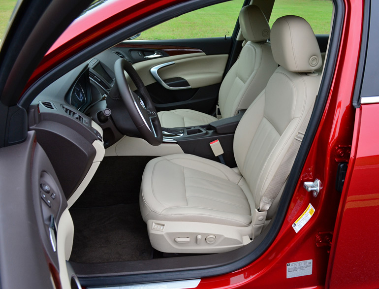 2014-buick-regal-turbo-front-seats